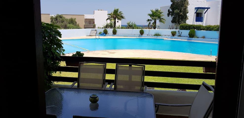 Appartement rez de jardin à 50 mètres de la plage