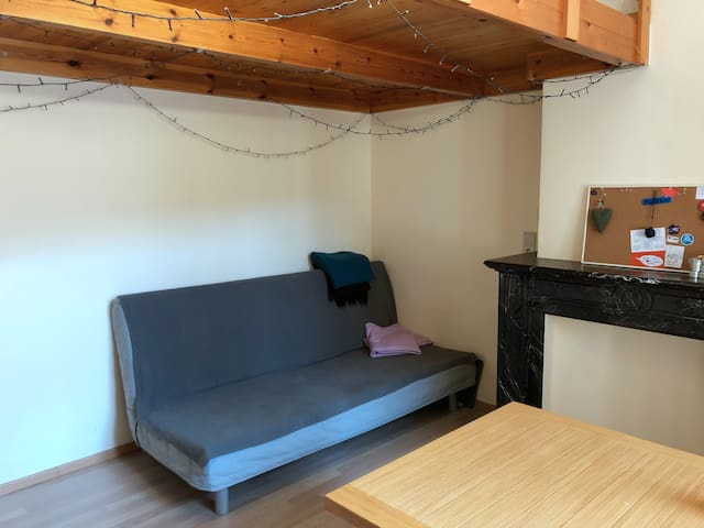 Cosy studio mezzanine with balcony