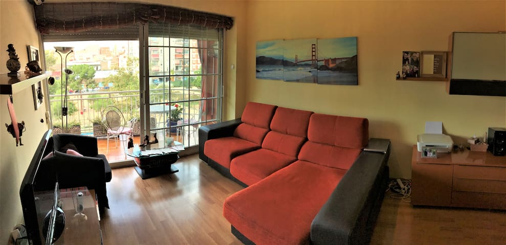Cozy individual room near Barcelona Sants Station