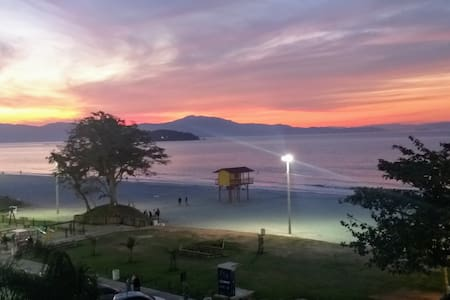 Canasvieiras - ap. com excelente vista para o mar