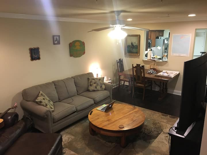 Extra Room in Townhouse
