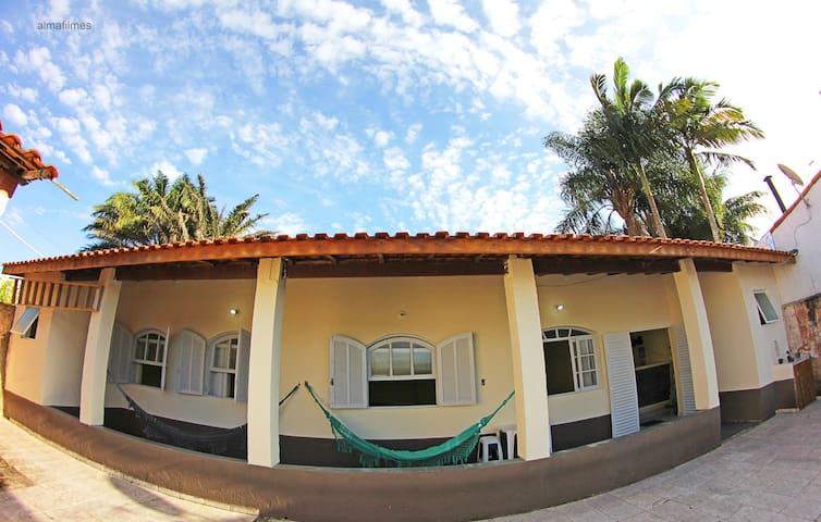 Casa ampla e central, com wifi e rede na varanda