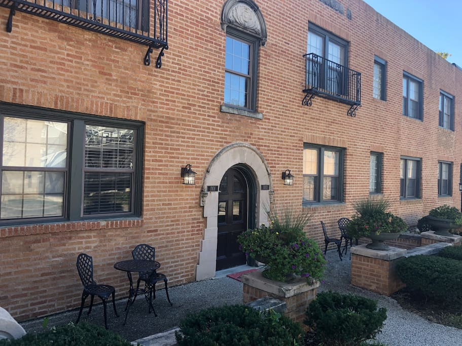Centrally located, steps away from the Country Club Plaza