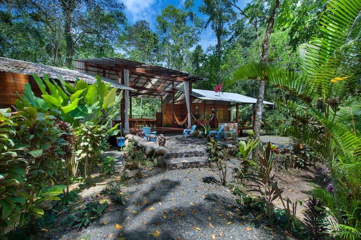The Long Dream House in Congo Bongo Ecolodges. - Manzanillo - Ev