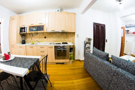 city-center fully equipped modern apartment - Thessaloniki - Huoneisto