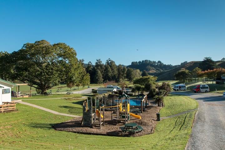 Waitomo Top 10 Holiday Park - 2 Bedroom Villa
