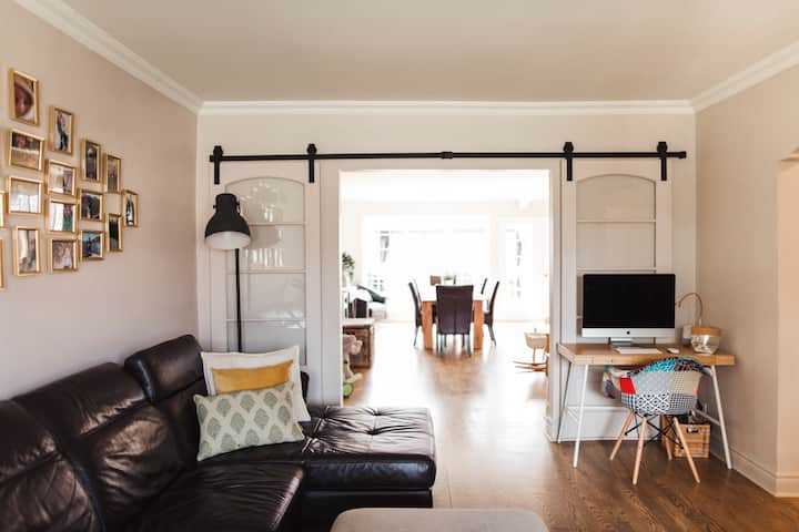 BRIGHTFUL family 3BR | 15min from downtown & metro