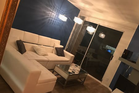 Amazing 1 Bedroom Near Universal Studio's - Los Angeles