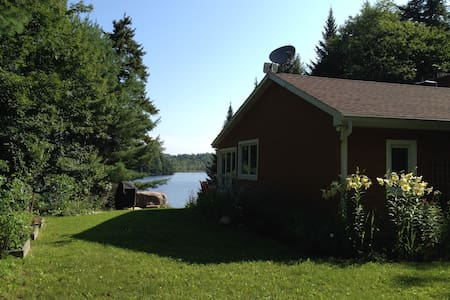 Beautiful Lakefront Cottage with Guest House - Cabin