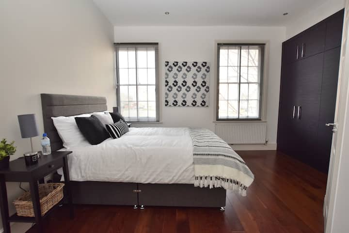 2 bed Town House in Derby City w gated parking