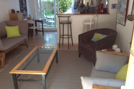 Comfortable 2 rooms with garden