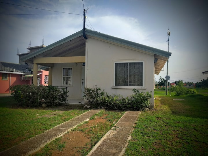Nice Two Bedroom Home for Medium Term Stay.