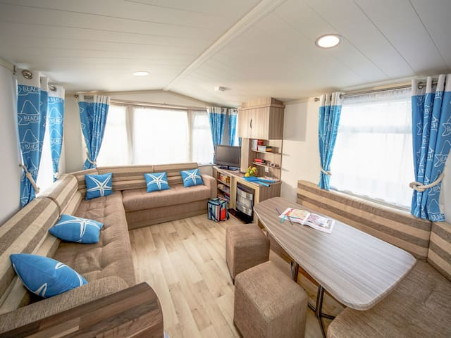 Mobile Home Allhallows for 6 persons