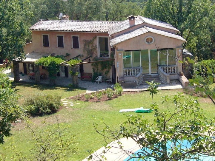 Amazing exceptional luxury forest villa with annex