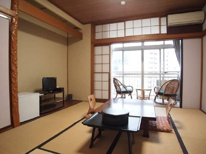 8 tatami Japanese-style room+dinner/free breakfast