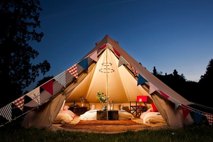 Glamping Holiday: Bell Tent Jonny Crow