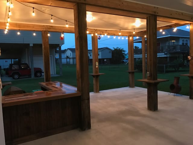 BRAND NEW Sea Isle BEACH HOME! - Galveston - Ev