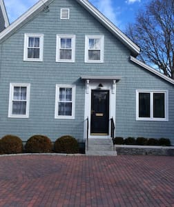 Chic In Town Single Detached - Newburyport - Ház