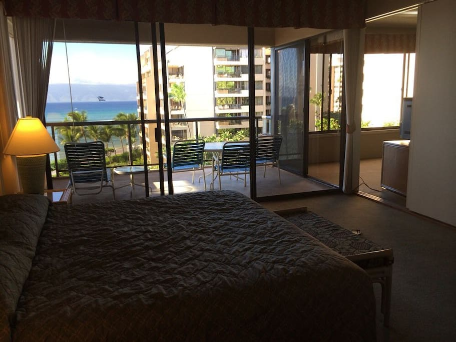 Bedroom that opens to Lanai