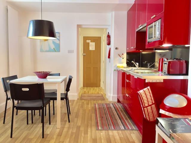 Studio 2 @ Brighton Lanes Apartments