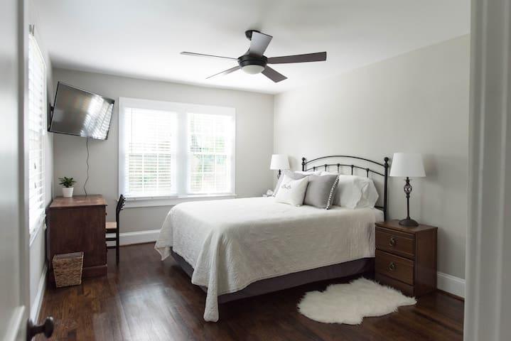 Private Garden Suite in Morningside/VaHi (2BR/1BA)