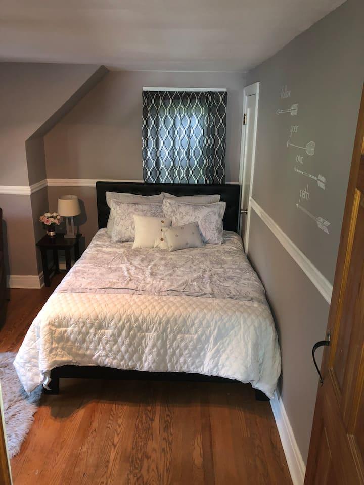 Cozy room in Glenville