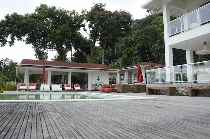 Belíssima casa de praia em Angra dos Reis