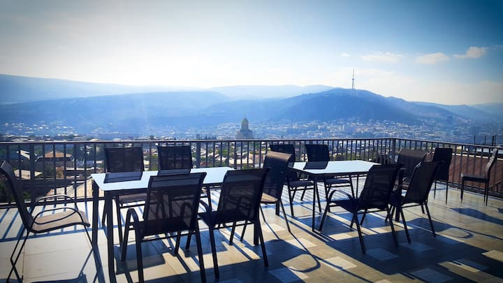 Upstairs Hotel Tbilisi - Amazing View - Room 2