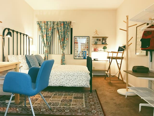 Home of Storytellers in the Heart of Hollywood! - Los Angeles - Apartamento