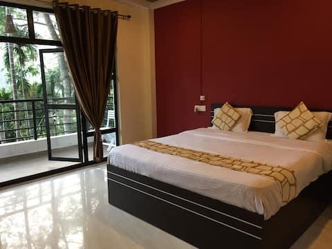 Betelnut Resort-King size bed
