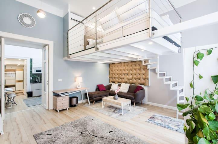 Design Loft ❤️ Fireplace  | AC | History