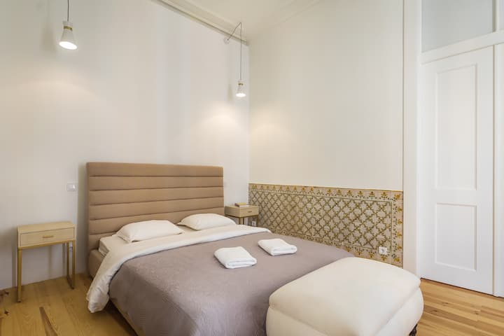 NEW!!! Santa Justa Premium Room in Baixa Chiado