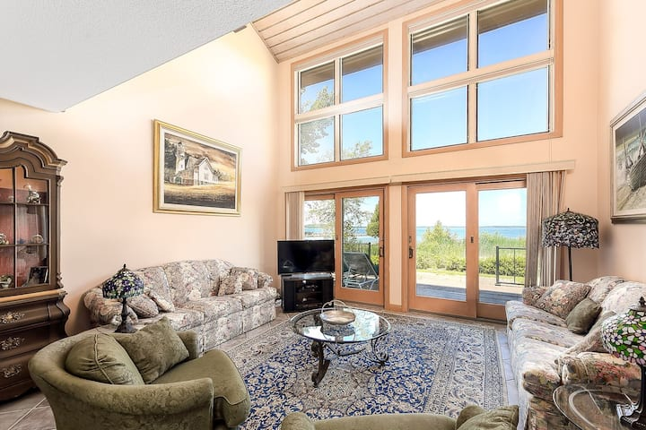 ☀ Luxury Lake View 3 BDR Condo @ Hemingway Pointe /w Amenities