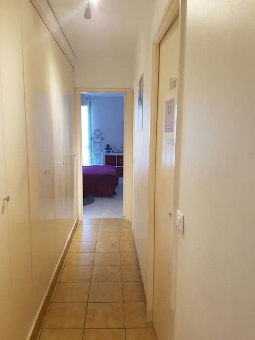 Le couloir qui donne accès à votre chambre