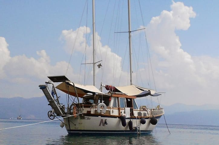 motorsailer with all the comforts - Patras