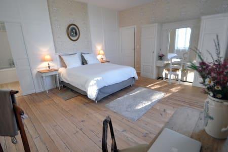 La Maison du Pinier - La Suite Clémenceau - Breuil-Barret