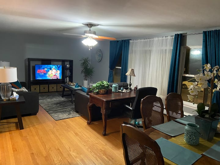 Private, spacious, and close to the Midway Airport