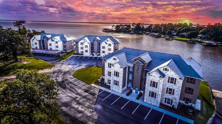 Waterfront Condo6-Pool/Beach/Boat Launch/Boat Slip