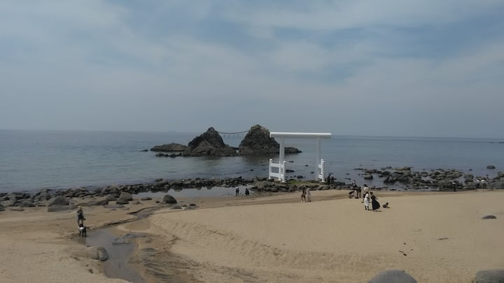 Shrine gate on the beach - pic point!