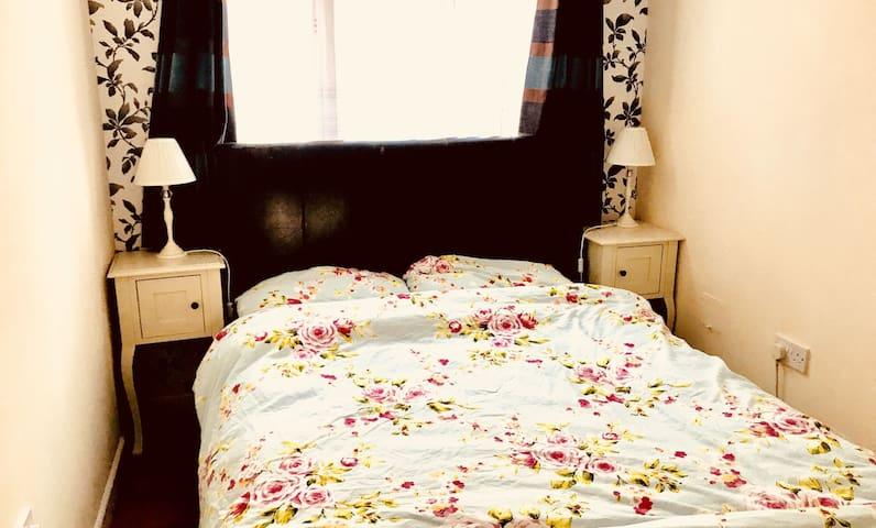 New Malden cozy flat