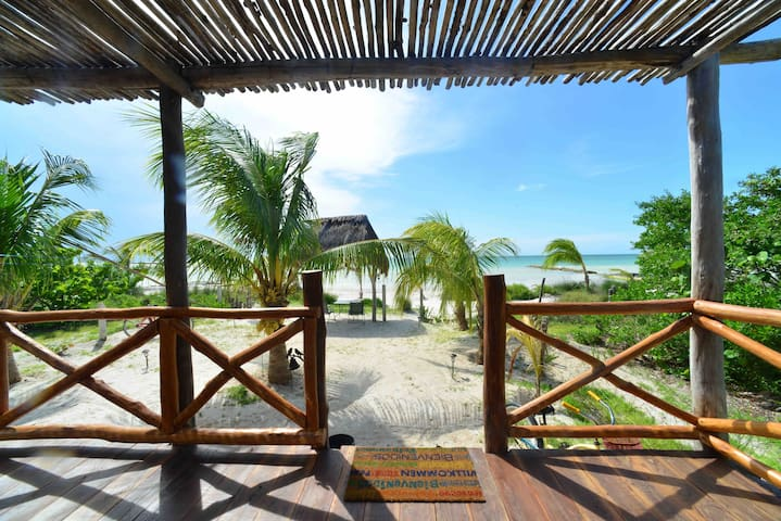 Cabo San Bruceski's Beach house Awaits You! - Holbox - Dom