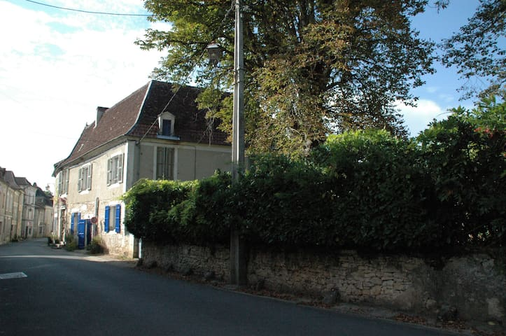 Authentic Cottage La Poste in Mansion 16th C.