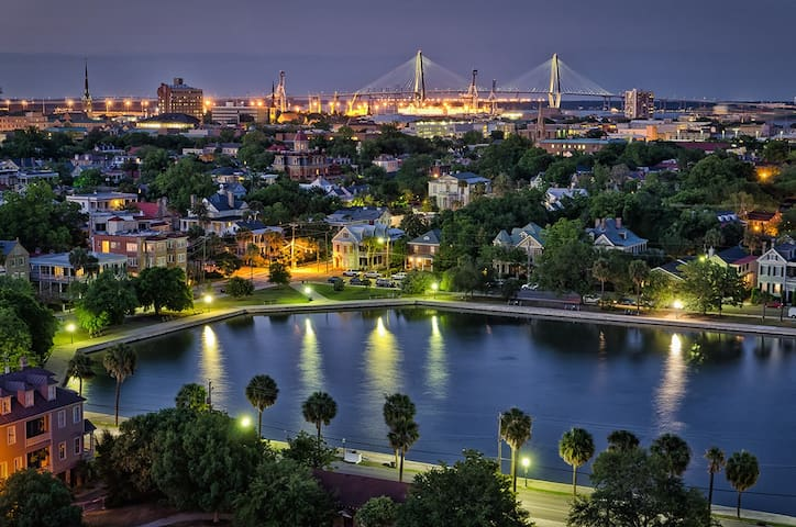 Waterfront suite for 1-3, near dwntwn, BF, pet ok! - Charleston - House