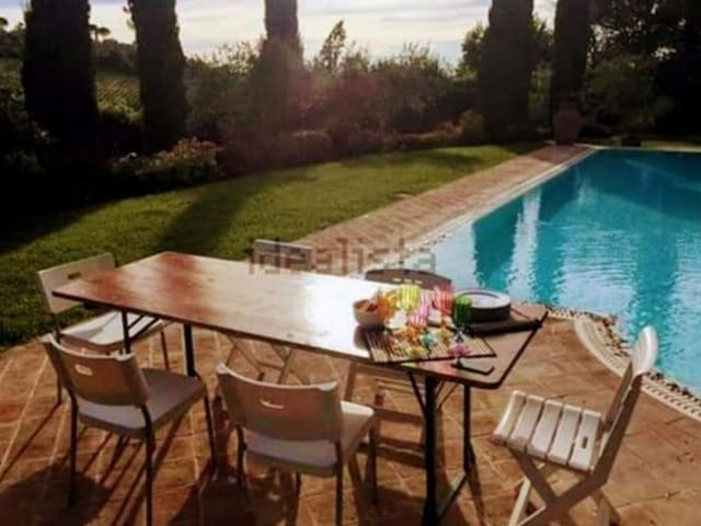 Wonderful private double-room in Tuscany Villa