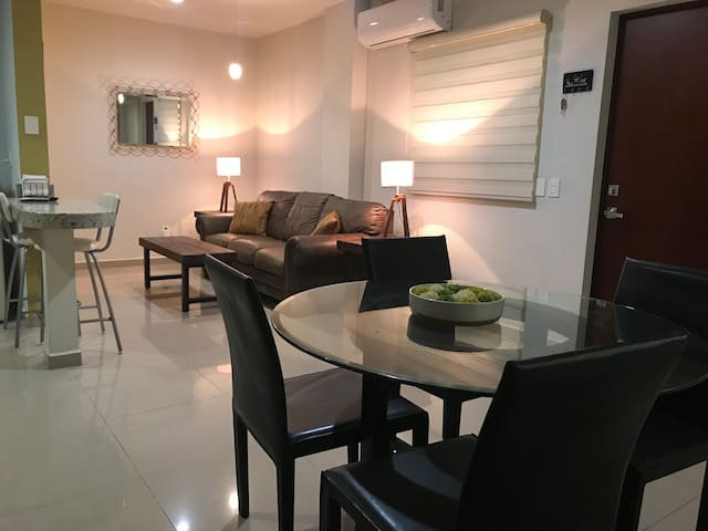 Great location close to beach, shops, golden zone