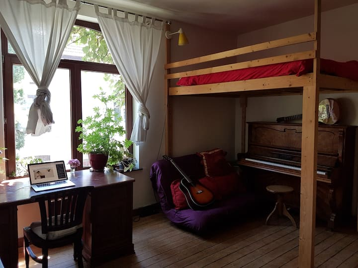 Guest room close to centre of Louvain.