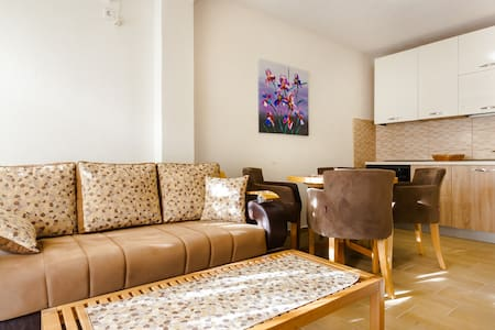 Mandarin Apartments - 2 Bedroom - Ground Floor