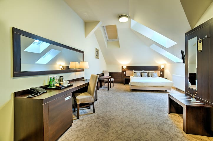 Spacious double room on II Floor of Luxor Hotel - Lublino - Altro