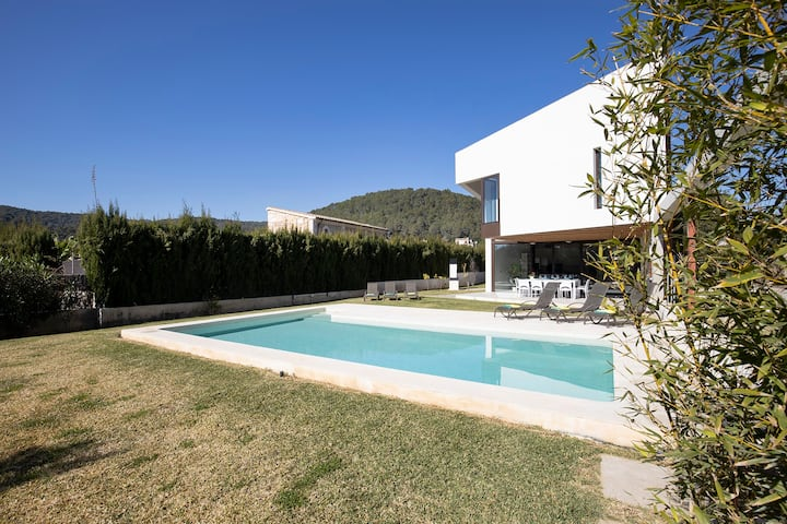 Villa moderna con piscina y bbq cerca de Pollença