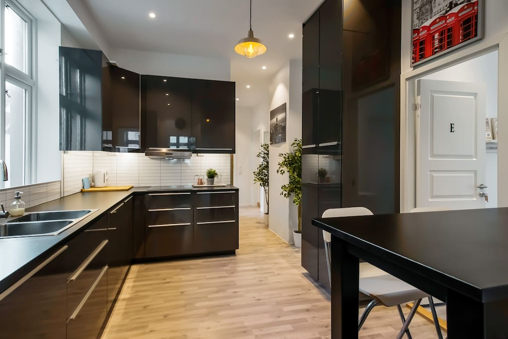 Brand new kitchen, with everything you need to make a lovely meal.